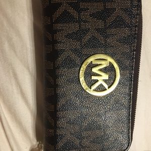 Faux Michael Kors wallet